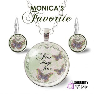 Glass pendant necklace - Monica's Favorite - Think Think Think